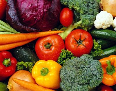 El camino de las verduras en el mercado
