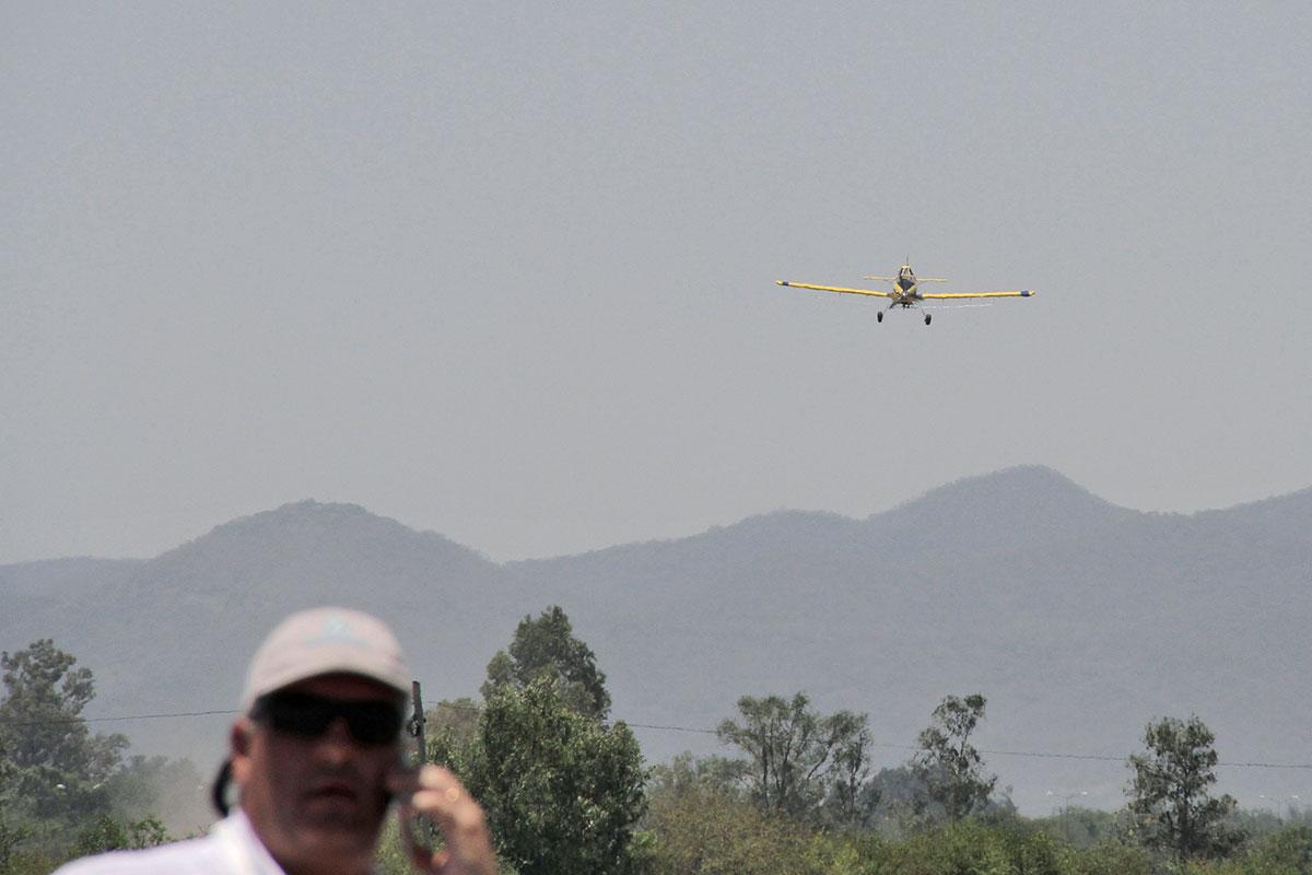 avion aplicador de fitosanitarios glifosato