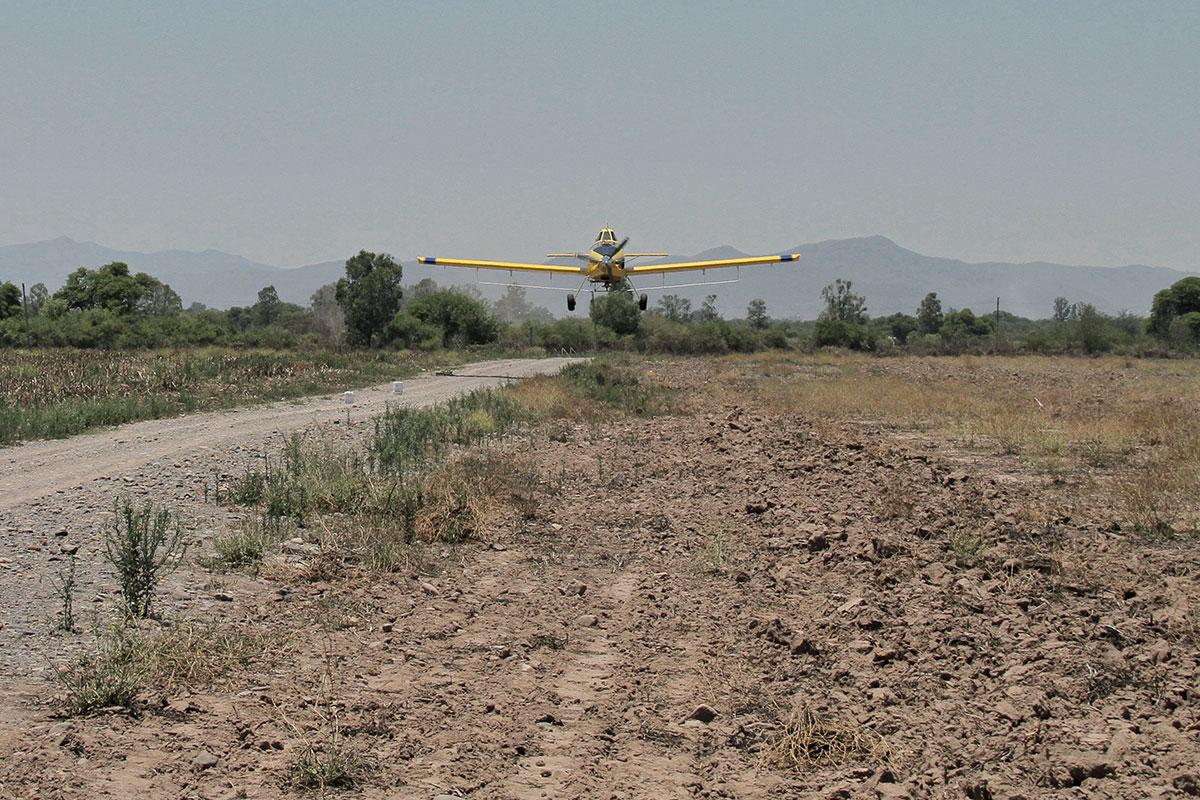 avion aplicador de agroquimicos