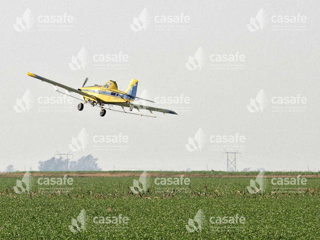 avion pulverizador maquinaria aérea glifosato